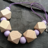 Lilac and natural wood geometric necklace