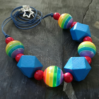 Rainbow striped and wooden geometric bead chunky necklace
