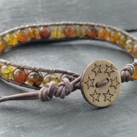 Taupe leather and yellow brown agate bracelet, gemstones, wooden button