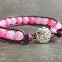 Pink agate and purple leather bracelet with button fastener, semi precious
