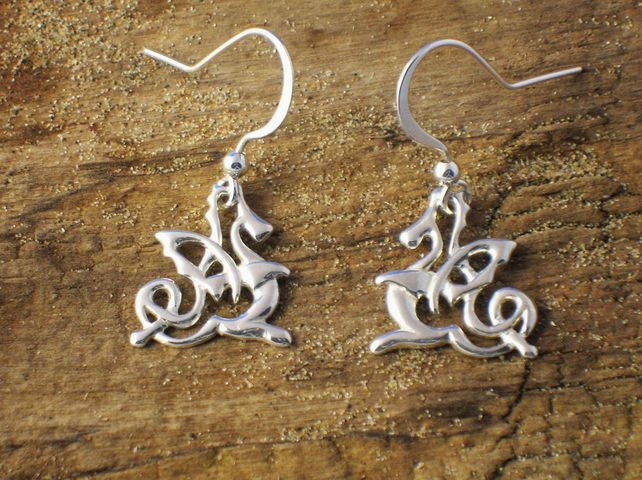 DE21 Sterling Silver Celtic Dragon Earrings - Free UK postage