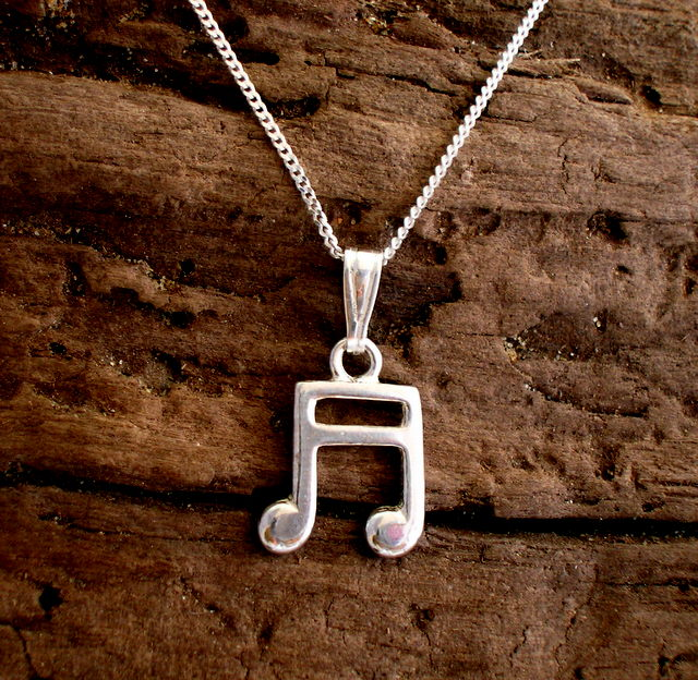 P 23 Sterling Silver Semiquaver Music Pendant - Free UK postage
