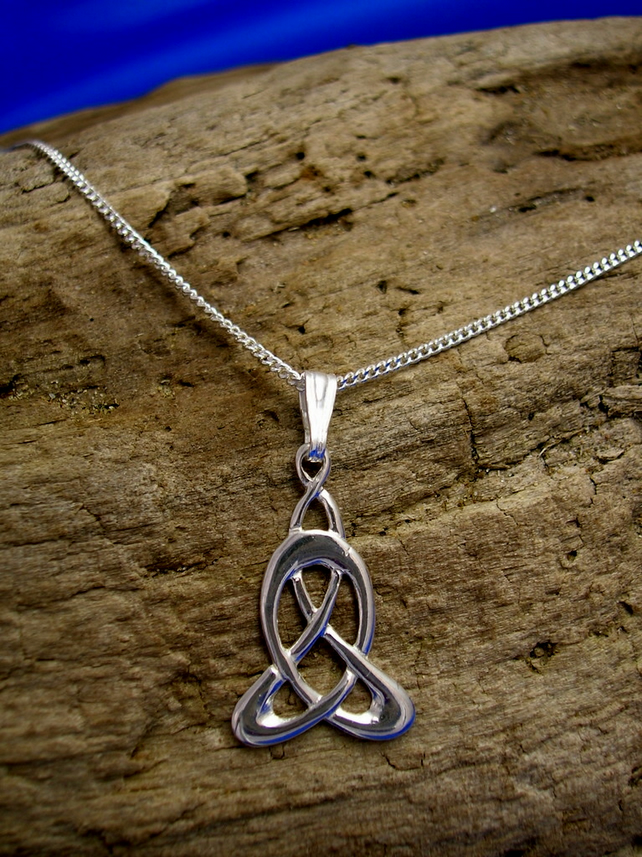 P4 Sterling Silver Celtic - Art Nouveau Pendant - Free UK postage