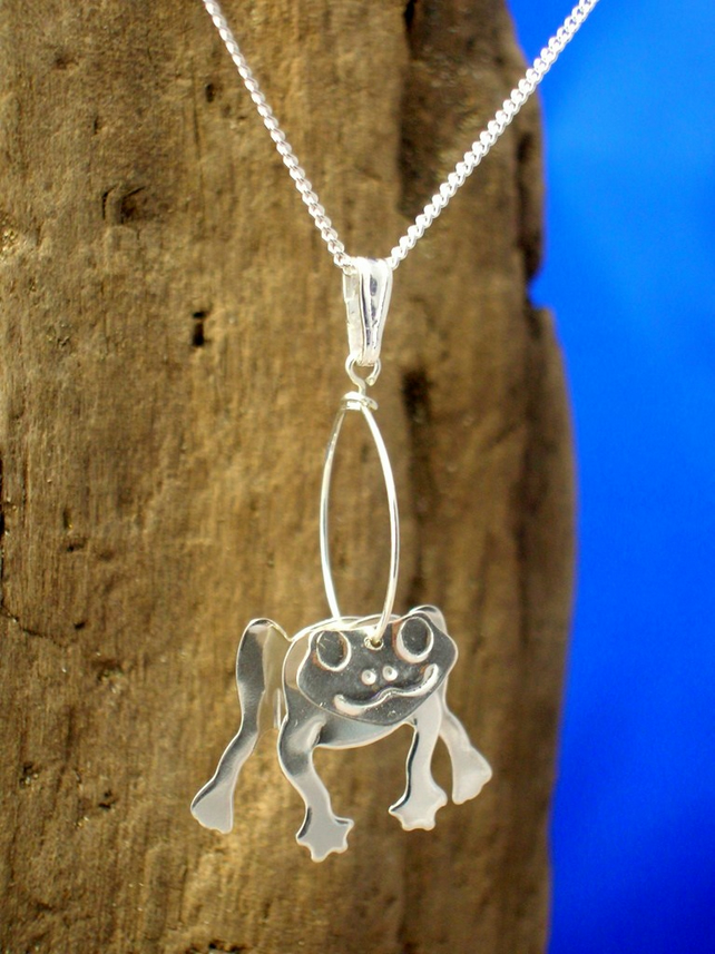 Sterling silver 3D Frog Pendant - Free UK postage