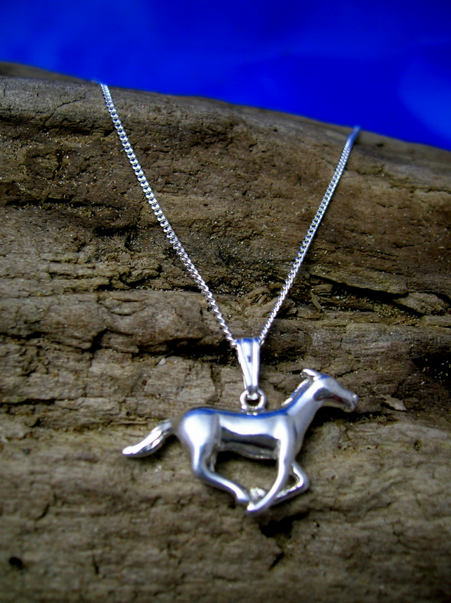 Sterling Silver Horse Pendant P38 - Free UK postage