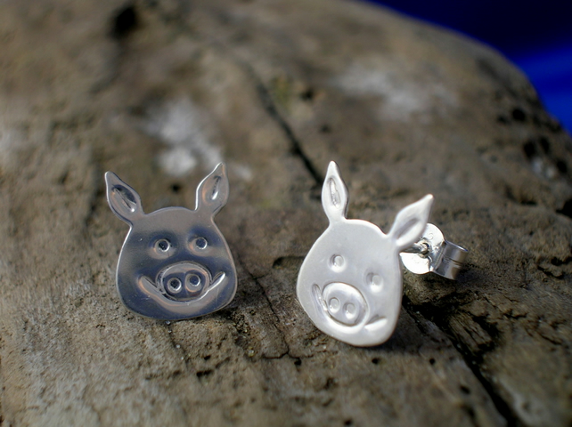 Silver Pig Studs - Free UK postage