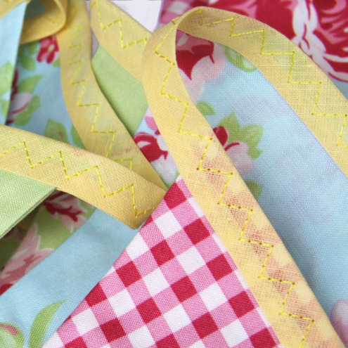 Mini Cotton Bunting 'Red and Green Summer Rose'