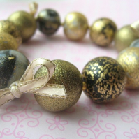 Black-gold ball bracelet