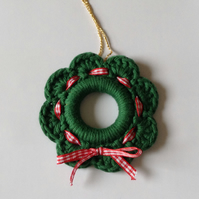 Green crochet mini Christmas wreath