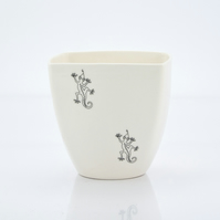 Handmade Porcelain Coffee Cup Decorated with Gekos