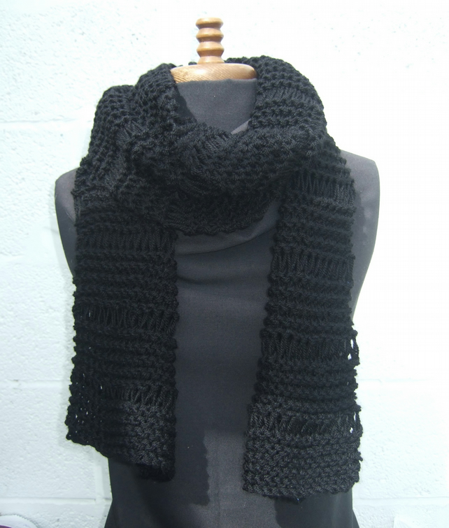 Chunky Black Hand Knit Scarf - Free UK P&P