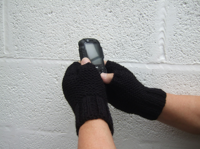 Men's Hand Knit Black Fingerless Gloves