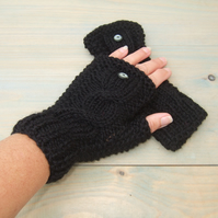 Fingerless Gloves in Black Aran