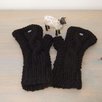 Fingerless Gloves in Black Aran - Women's Gloves