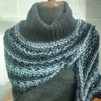 Shawl - Triangle Scarf - Black and Grey