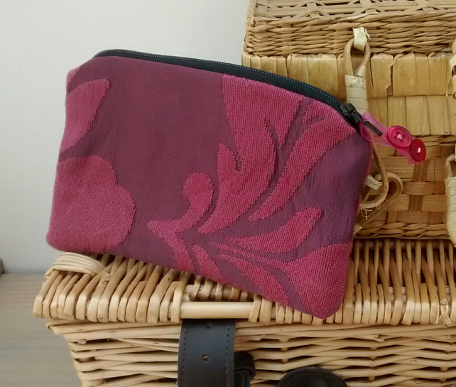 Zipped Pouch in Burgundy Fabric