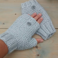 Fingerless Gloves in Silver Grey