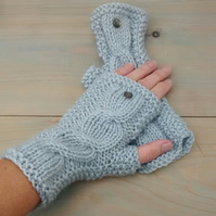Fingerless Gloves in Grey Aran - Women's Gloves