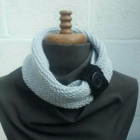 Knitted Cowl Scarf - Light Grey