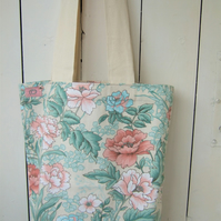 Tote Bag in Vintage Floral Fabric