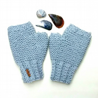 Fingerless Gloves in Light Grey
