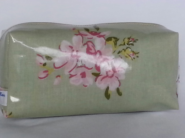 Green Floral Oilcloth Make Up Bag