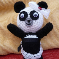 Amigurumi - Petula the french maid
