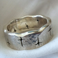 Sterling Silver 'The King' ring - unisex   Hallmarked Size S.5