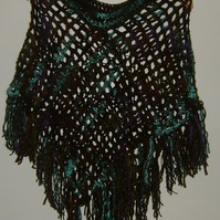 Lady's crocheted poncho ref 47793