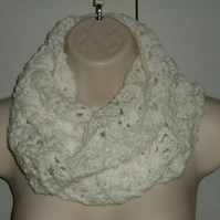 cowl infinity scarf crocheted (ref 636121)