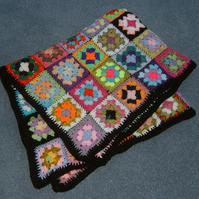 Traditional granny square blanket (ref 63942)