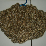 Lady's crocheted infinity cowl neck scarf ref 534