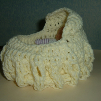 crocheted dolly cot bag ref 432