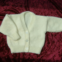 Classic hand knitted cream V neck baby cardigan (ref 106)