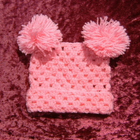 SALE Crocheted baby hat (ref 112)