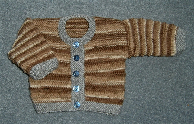 Hand knitted baby cardigan (ref 136)
