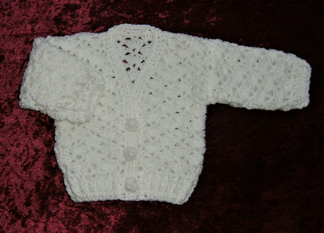 SALE white crocheted baby lacy cardigan (ref f405)