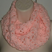 crocheted cowl neck scarf ( ref F 516)