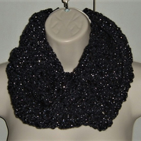 Navy silver crochet moebius cowl neck scarf ( ref F 524)