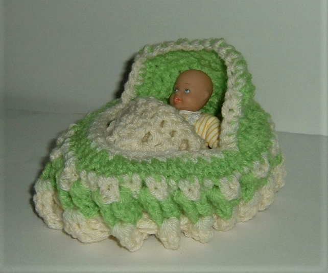 Dolly cot bag with doll ( ref F 573)