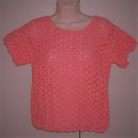 SALE....Lady's pink crochet lacy short sleeved jumper. ( ref F 728)