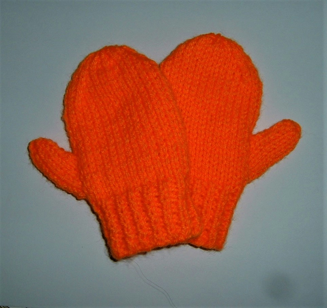 knitted mittens for toddlers  POST FREE ( Ref F 910)