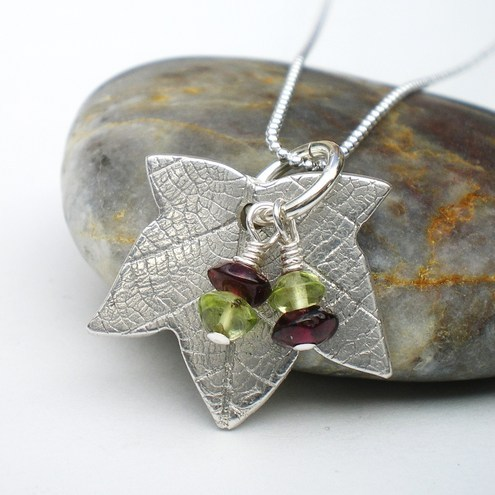 Ivy Leaf Pendant with Berries