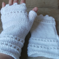 Hand knit lace fingerless gloves