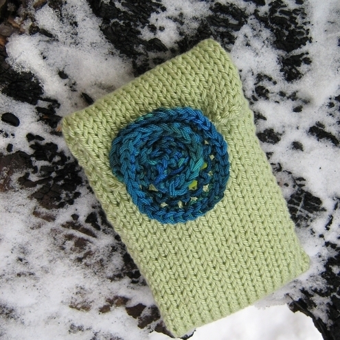 knitted light green iPod phone cover with spiral detail