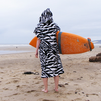 Zebra 'CoverUp Surf' changing towel