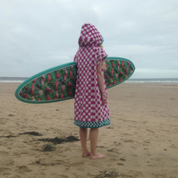 Spotty 'CoverUp Surf' Changing Towel