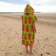 Pineapple 'CoverUp Surf' changing towel