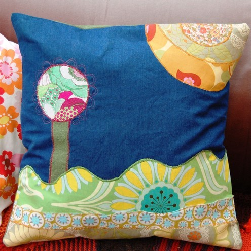 Appliqué cushion cover – summer scene