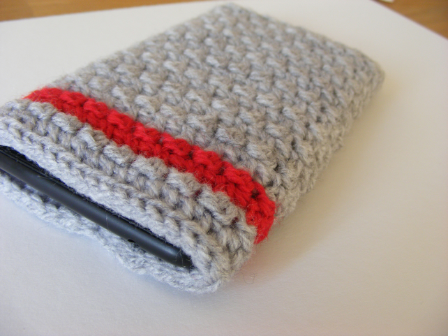 Crochet phone cover for Nokia lumia.